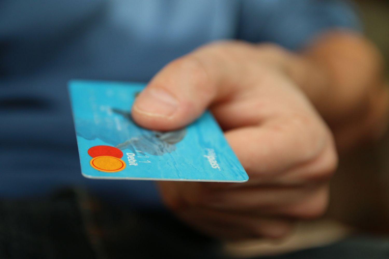 Cuidado con tu hipoteca si al contratarla te ofrecen una tarjeta revolving