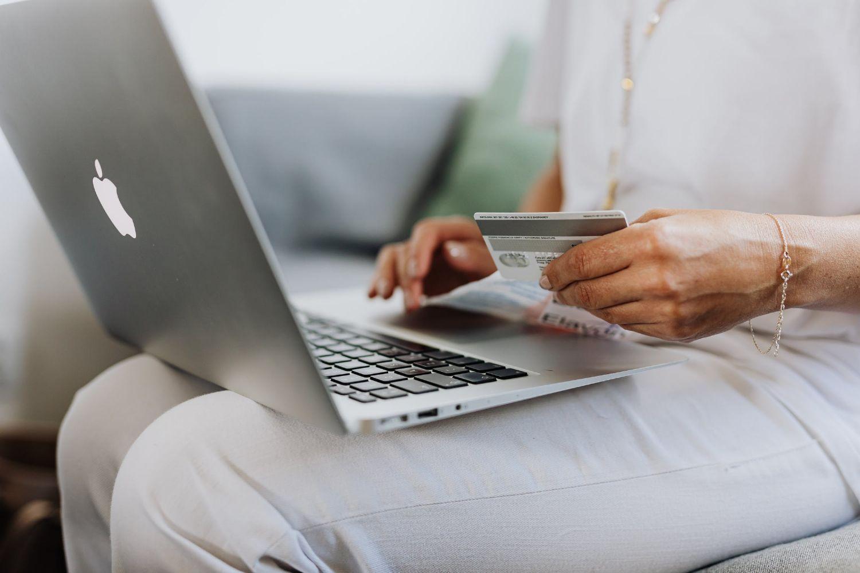 En los fraudes de phishing (estafas por internet en webs clonadas, emails, SMS) el banco da la razón y proporciona protección a las víctimas