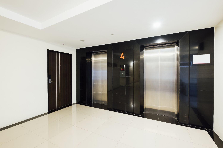 Cómo funciona la indemnización a un propietario afectado por la instalación de un ascensor