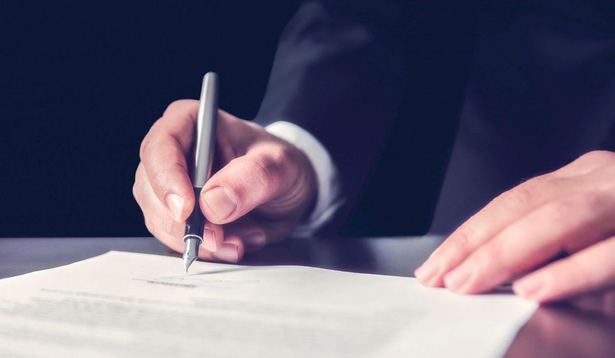El certificado emitido por el banco con el saldo de la deuda no es suficiente para condenar al cliente a su pago