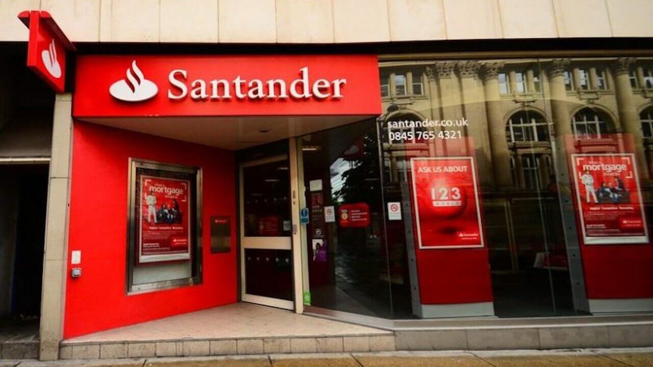 El banco Santander se deduce 300 millones en impuestos por el Popular