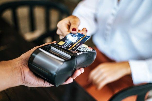 """¿Por qué no debes usar tarjetas revolving para pagar los gastos de la """"vuelta al cole""""?"""